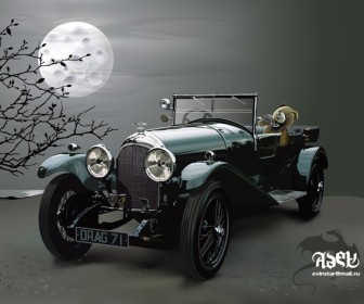 Realistic Antique Car Vector